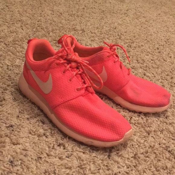 huge discount 73485 1ca9e Neon Pink Nike Roshe Sneakers Size 6 (Used). M5a5971d2f9e501ccbf2f8640